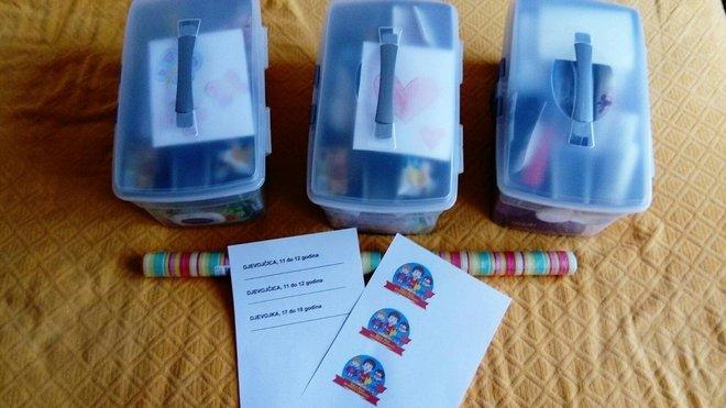 Darovi koje su tri sestre Kollert iz Daruvara poslale djevojčicama u područja pogođena potresom/Foto: Privatni album